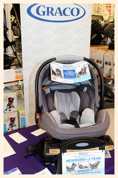 lots of pregnant mommies and dads-to-be were very interested in the new features of the Graco® SnugRide® Click Connect™ 40 carseat. my personal favorite ... & Graco® SnugRide® Click Connect™ 40 Event - Popsicle Blog