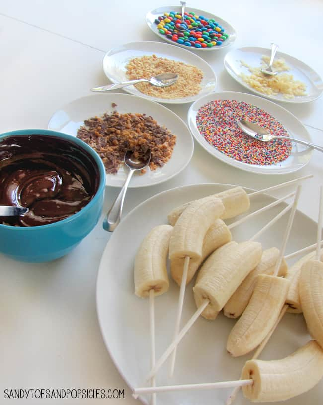 easy_chocolate_covered_bananas_ingredients