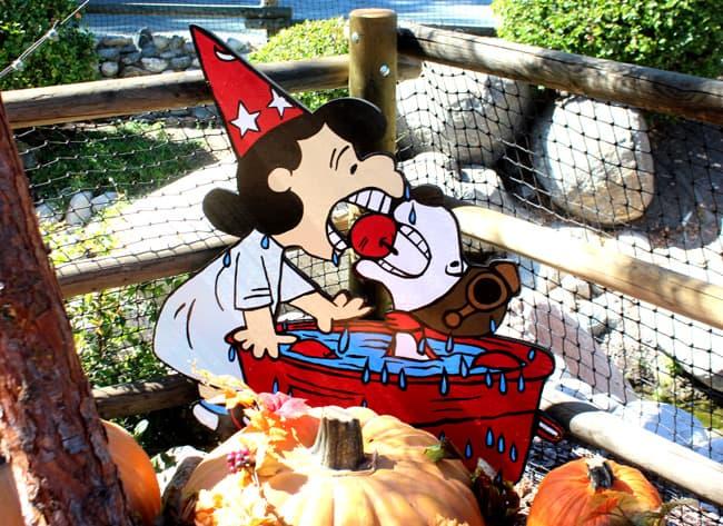 knotts-camp-spooky-peanuts-gang