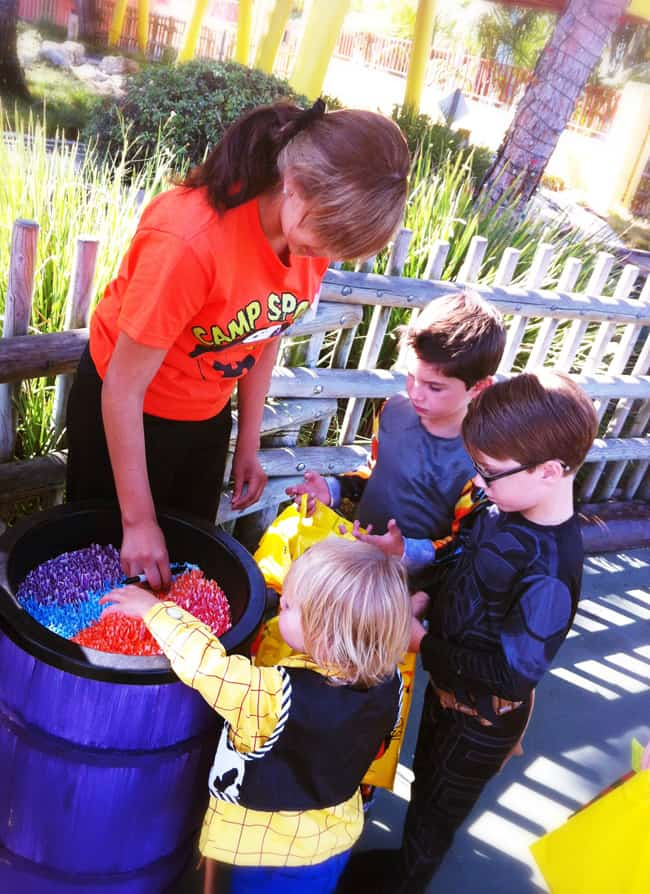 knotts-camp-spooky-trick-or-treat