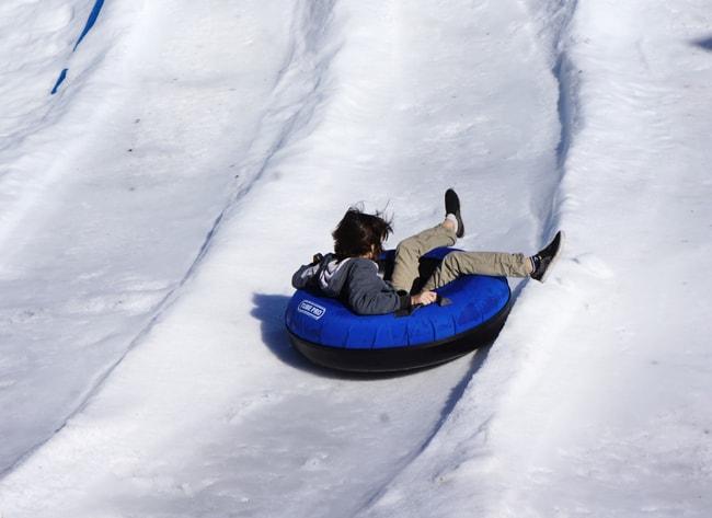 legoland_christmas_snow_sledding
