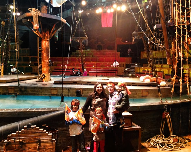 pirate-show-orange-county-dinner-theater