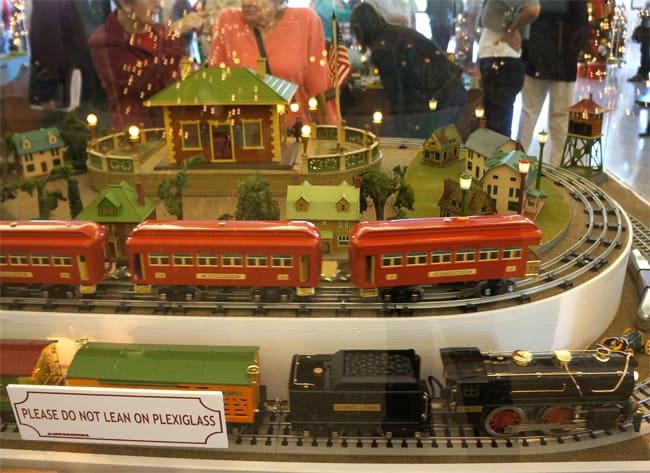 richard-nixon-toy-train-exhibit