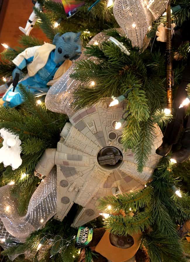 richard-nixon-train-christmas-tree-star-wars