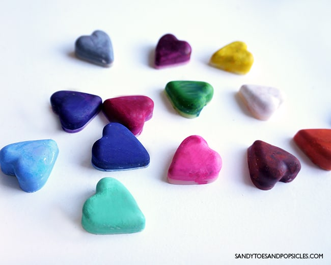diy-valentines-day-heart-crayons-gift