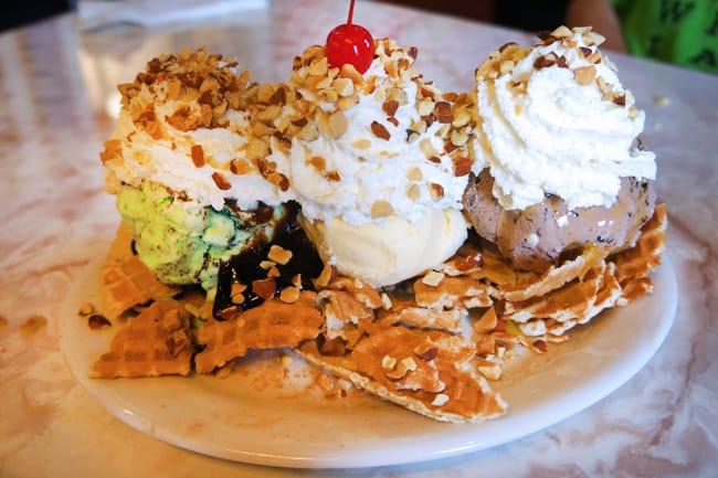 farrells-ice-cream-parlor-nachos