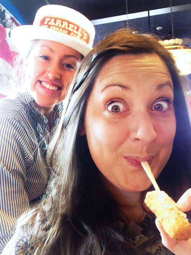 farrells-ice-cream-parlour-cheesesticks