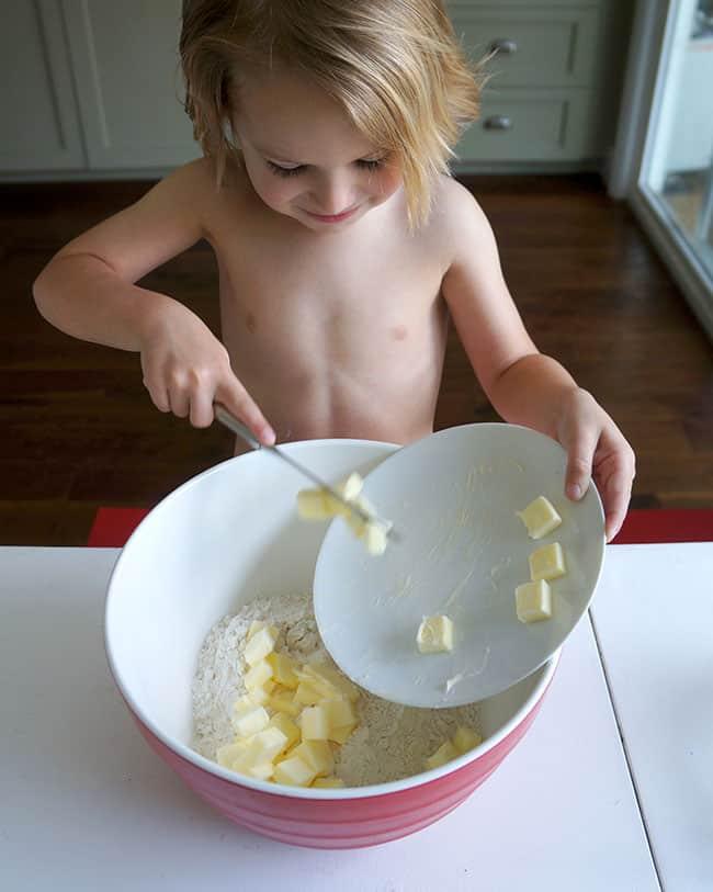 kids-recipe-strawberry-scones