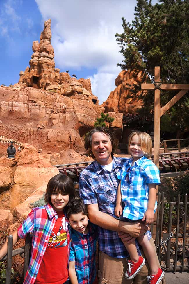 big-thunder-mountain-disneyland-train