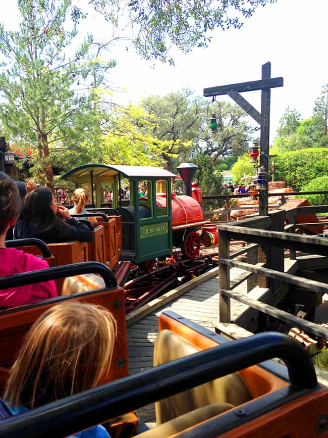 big-thunder-mountain-railroad-family-ride