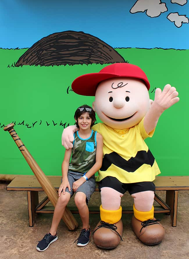 camp-snoopy-charlie-brown