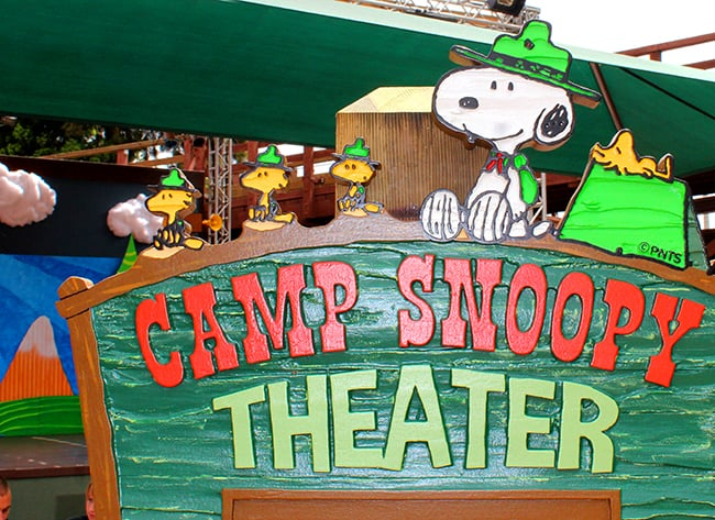 camp-snoopy-new-show-theater