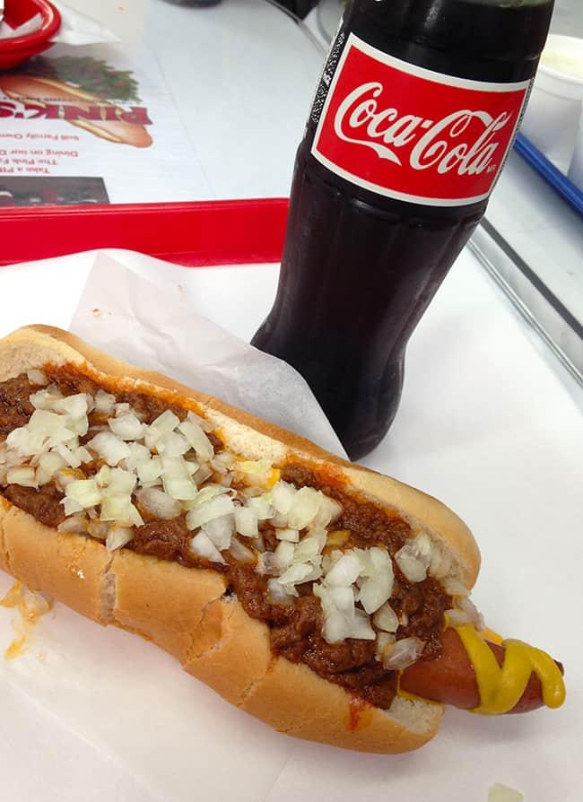 historic-pinks-hotdogs-chili-dog