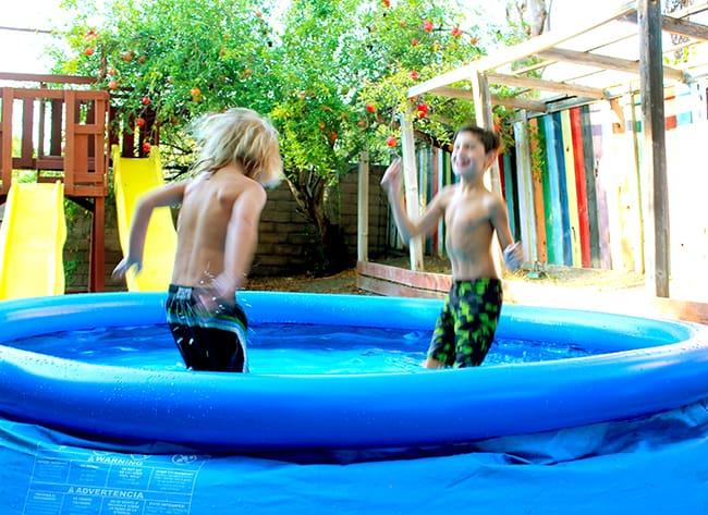 backyardocean-blow-up-swimming-pools