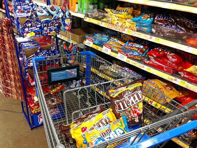 walmart-m&m's-candy-aisle