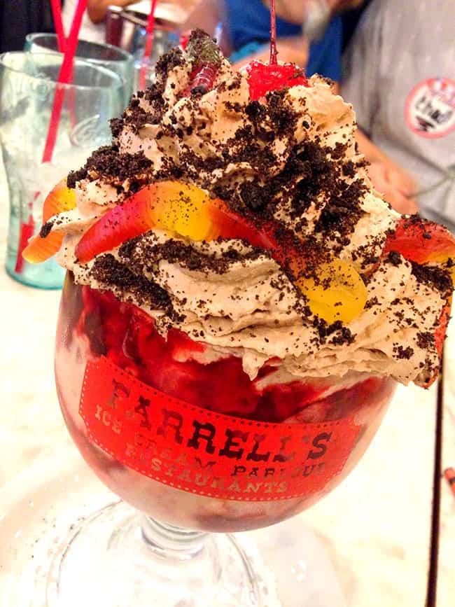 farrells-day-of-the-dead-halloween-sundae