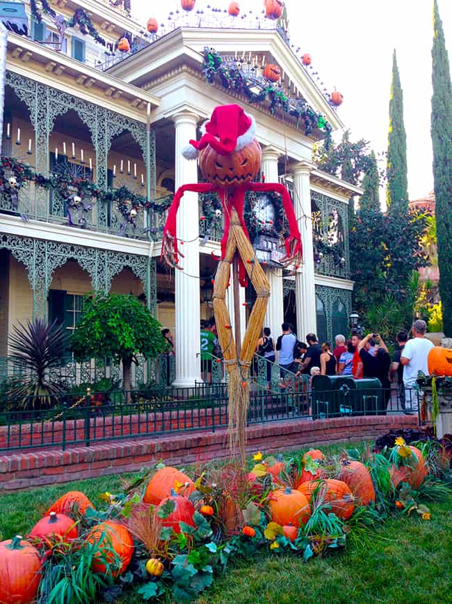 mickey's-halloween-party-haunted-mansion