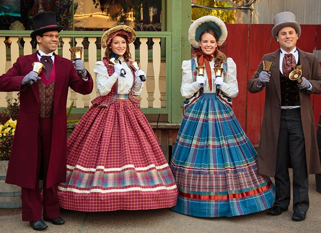 knotts-merry-farm-carolers-cabin