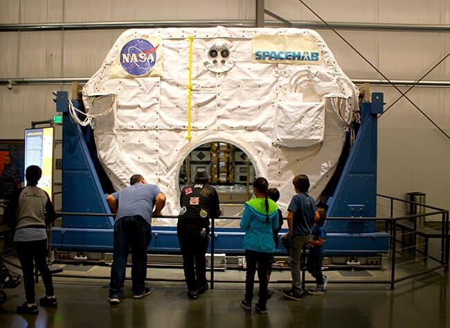 Endeavor Space Shuttle SpaceHub
