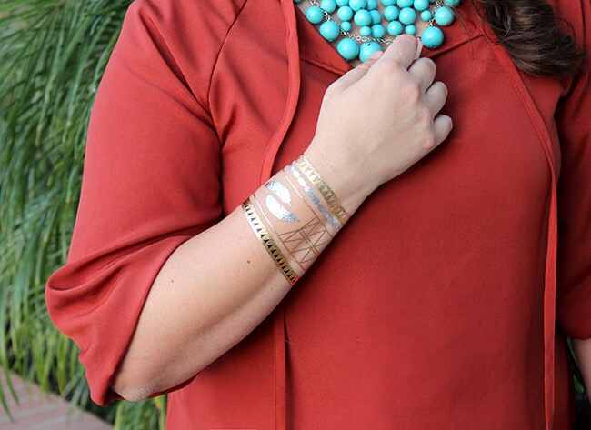 http://www.sandytoesandpopsicles.com/wp-content/uploads/2015/02/Hot-Jewels-Metallic-Gold-Temporary-Tattoos.jpg