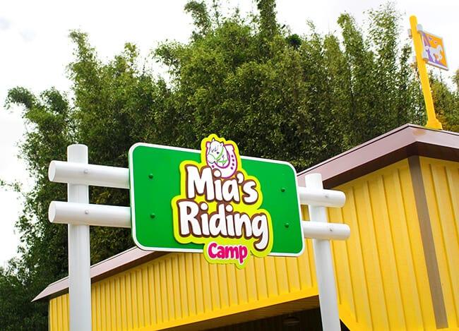 Heartlake City Mia's Riding Camp