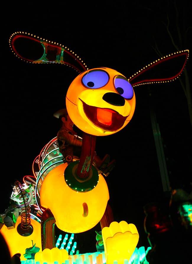 Disneyland Paint the Night Parade Slinky