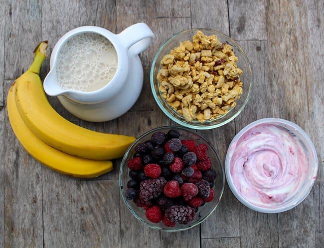 Breakfast Berry Bowl