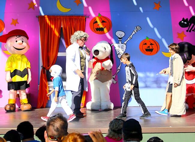 Knott's Spooky Farm Costume Contest