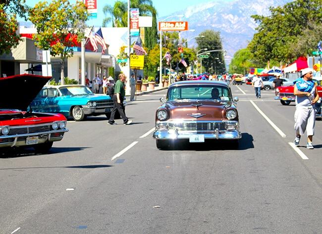 http://www.sandytoesandpopsicles.com/wp-content/uploads/2015/11/Cruisin-Reunion-Car-Show-on-Route-66-Car.jpg