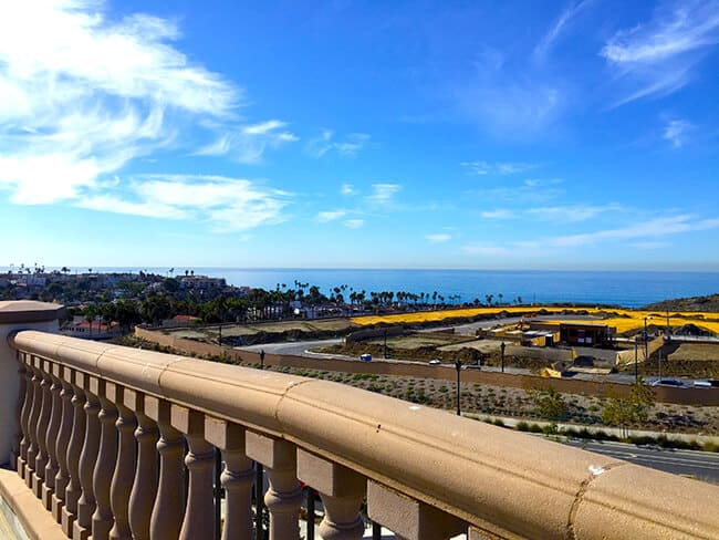 http://www.sandytoesandpopsicles.com/wp-content/uploads/2015/11/Outlets-at-San-Clemente-Ocean-Views-from-Restaurants.jpg