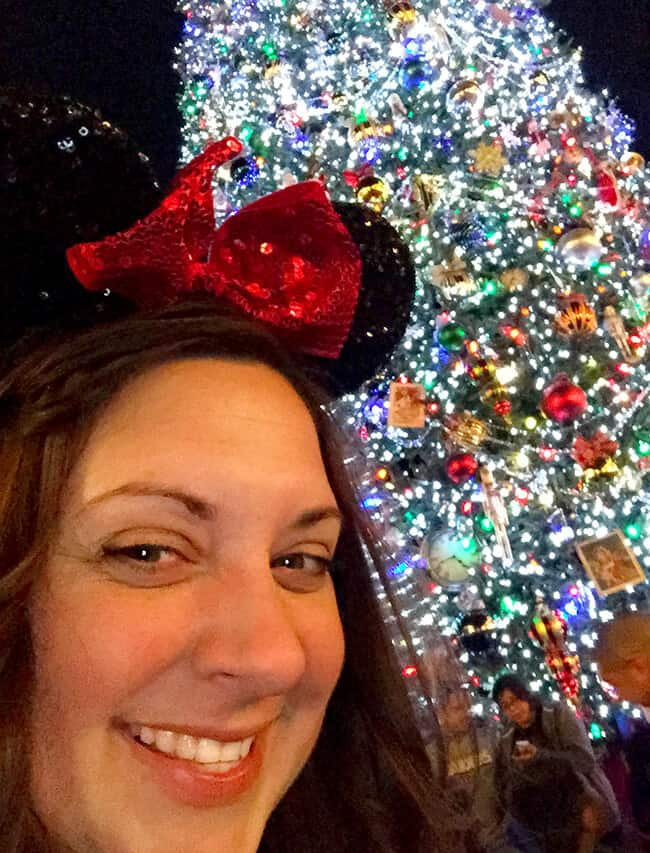 Disneyland Christmas Tree Selfie