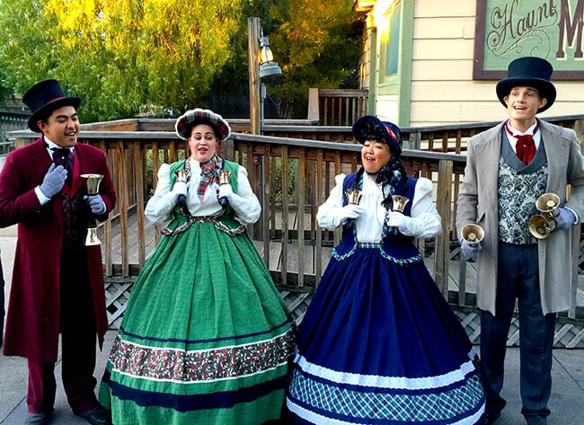 Knott's Berry Farm Carolers