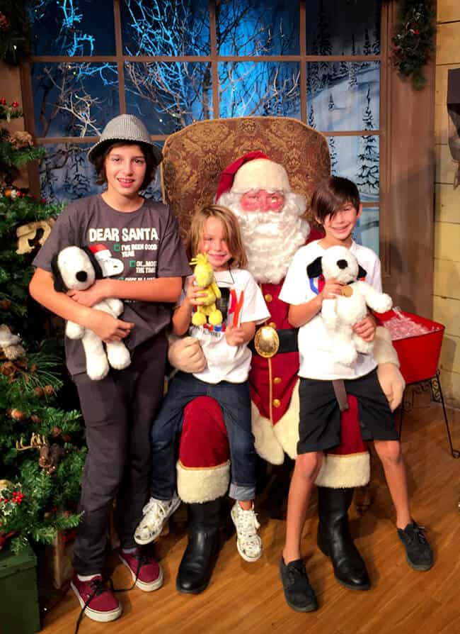 Popsicle Blog Visits Santa at Knott's Berry Farm