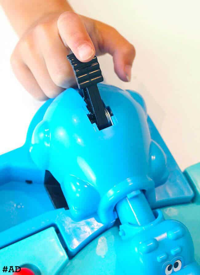 How-to-Play-the-Hungry-Hungry-Hippo-Game #ad