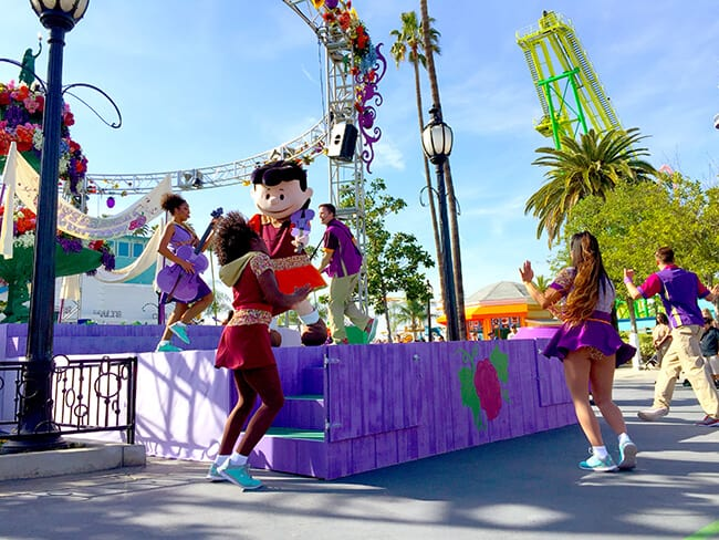 Peanuts Spring Parade at Knott's