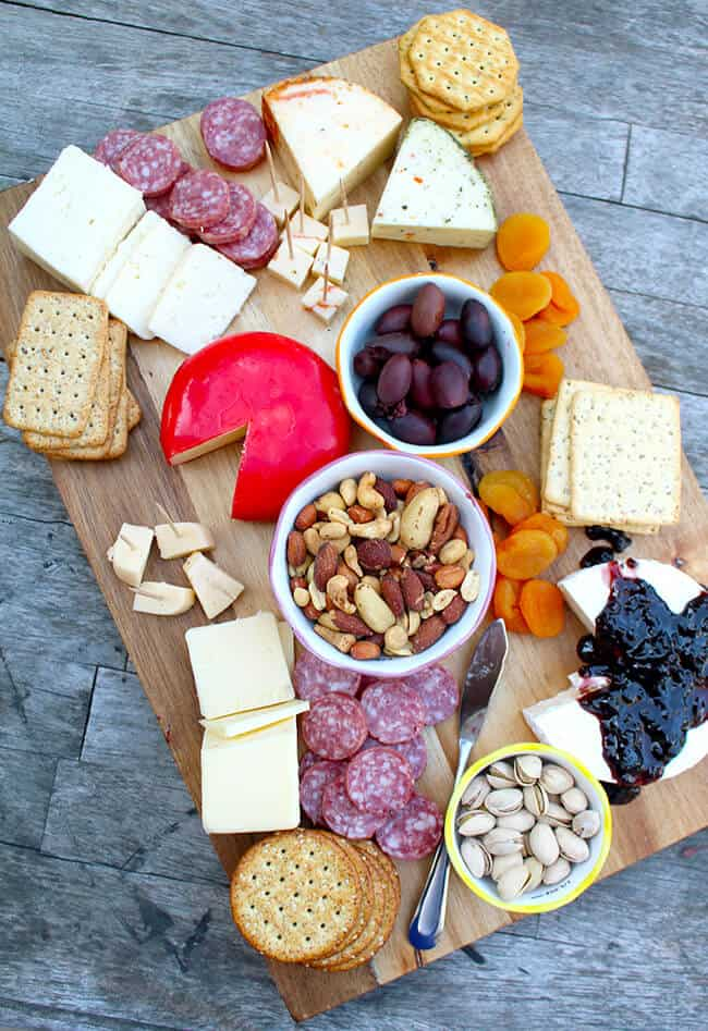 How to Make at Gourmet Cheese Platter at ALDI - Popsicle Blog