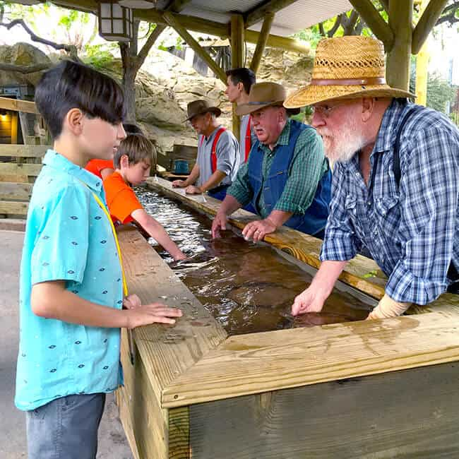 How to Pan for Gold at Knott's