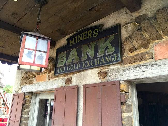 Knott's Miners Bank