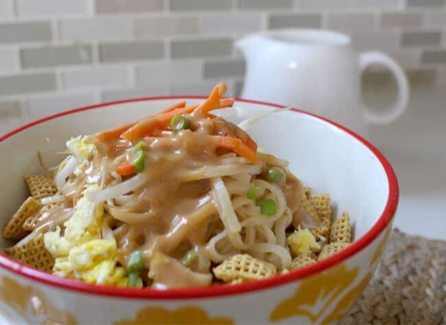 Thai_peanut_noodles