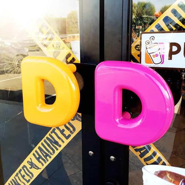 dunkin-donuts-halloween-entrance