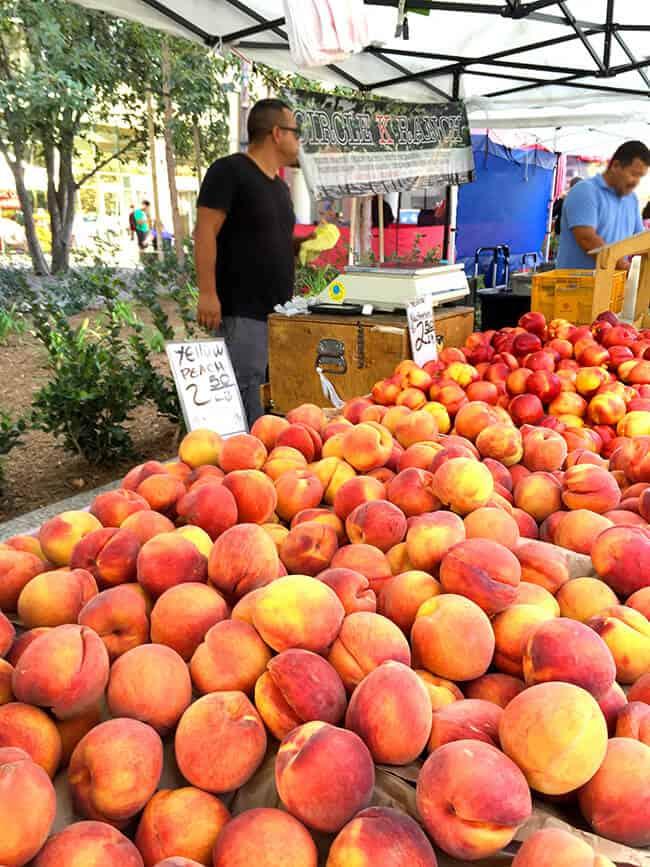 fresh-farmers-market-peaches