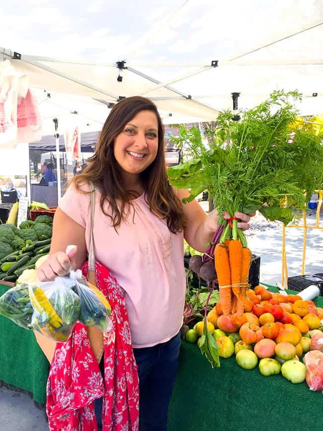 jill-parkin-at-the-farmers-market