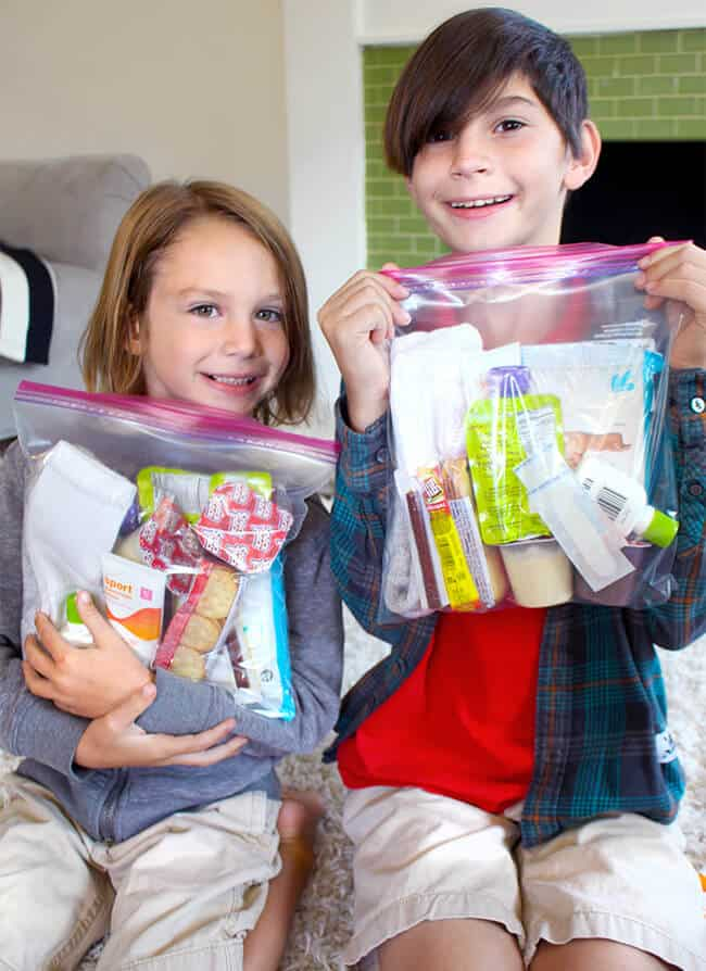 kids-making-care-kits-for-the-homeless