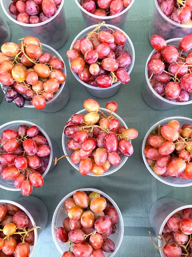 orange-county-farmers-market-grapes