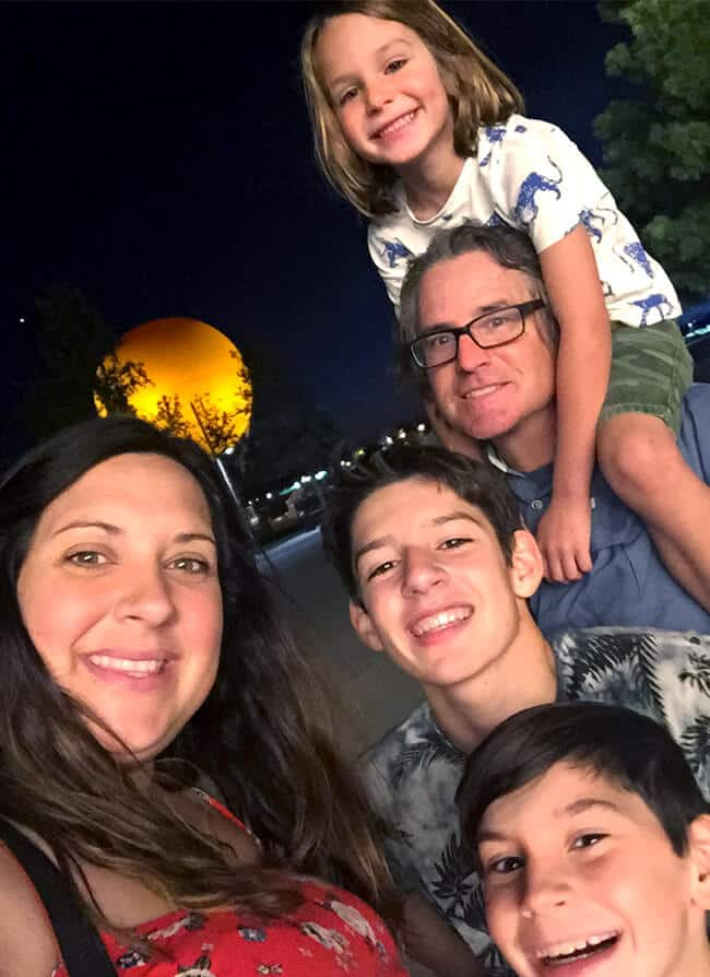 family-selfie-at-the-orange-county-great-park