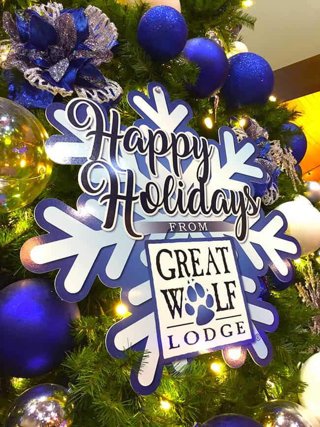 holiday fun at great wolf lodge snowland