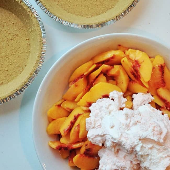 best-easy-peach-pie-recipe