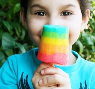 Rainbow fun: Rainbow Pudding Pops Recipe