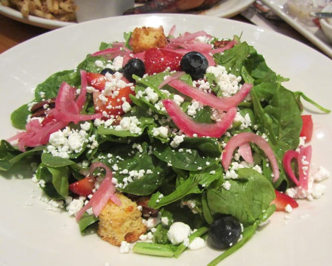 bjs-restaurants-strawberry-salad