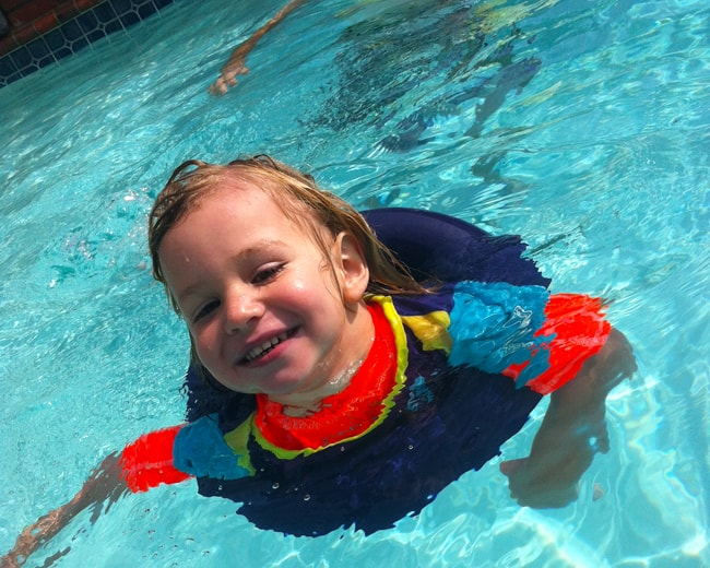 Learning to swim with swimways 10 tips for children scared of the pool popsicle blog Valentine pool swimming lessons